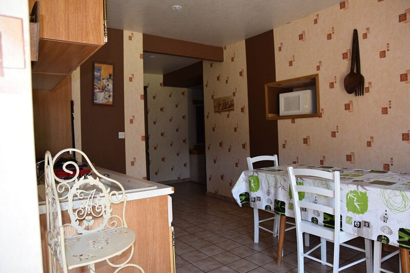 Acconat - Gite 3 pièces 6 personnes, holiday rental in Belval