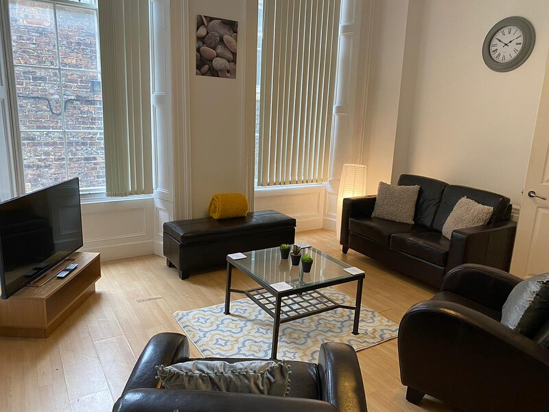 NEWCASTLE CITY CENTRE ONE BEDROOM APARTMENT, GREAT LOCATION TO ENJOY THE CITY, vacation rental in Newcastle upon Tyne