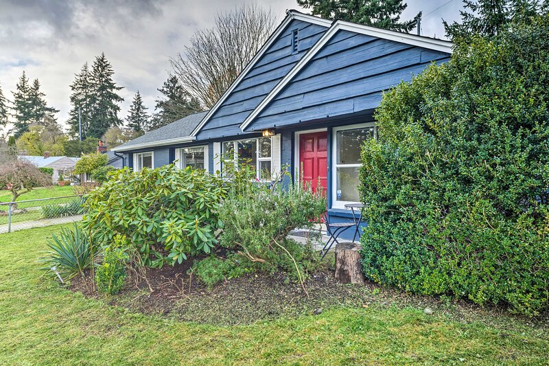 NEW! Shoreline Home - 10.5 Mi to Downtown Seattle!, vacation rental in Shoreline