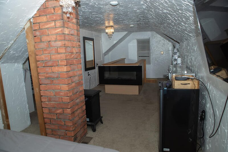 The D Loft Bed and Breakfast, holiday rental in Clawson