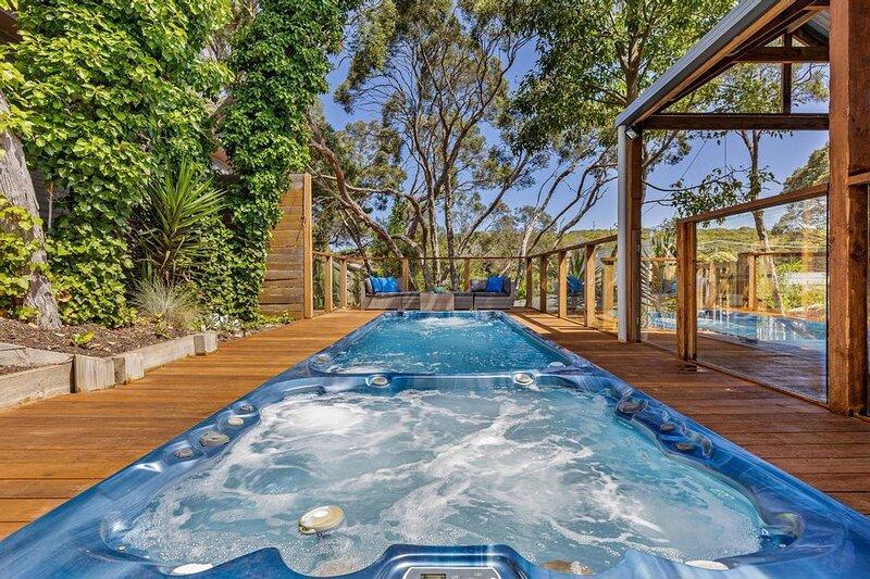 Spa & Heated Pool