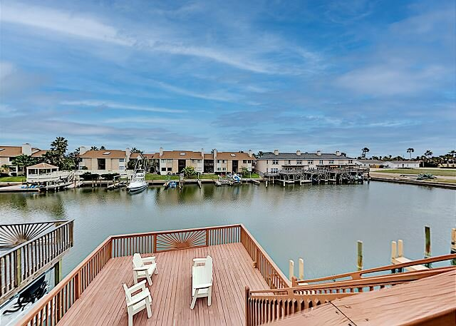 Canal-Front Getaway | Access Gulf from Private Dock | Near Beach & Dining, holiday rental in Corpus Christi