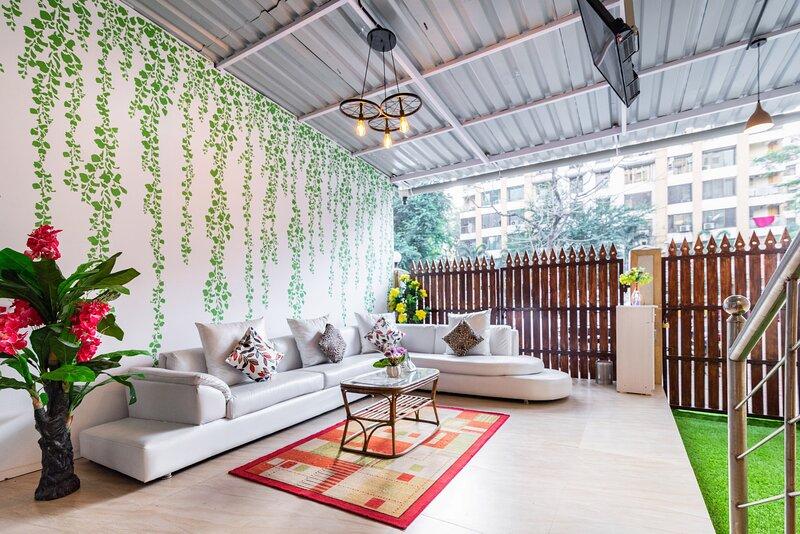 3 Bedroom Triplex in Thakur Village Kandivali East, holiday rental in Mumbai