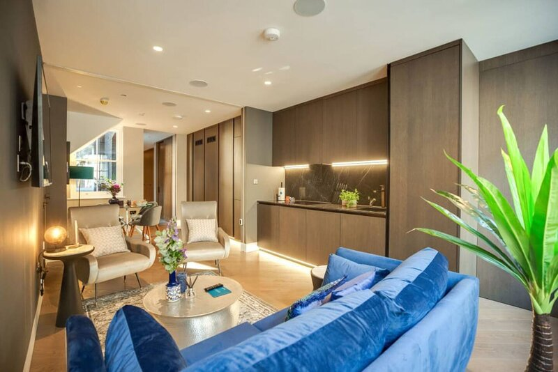 Impeccable 1-Bed Apartment in London, Ferienwohnung in London