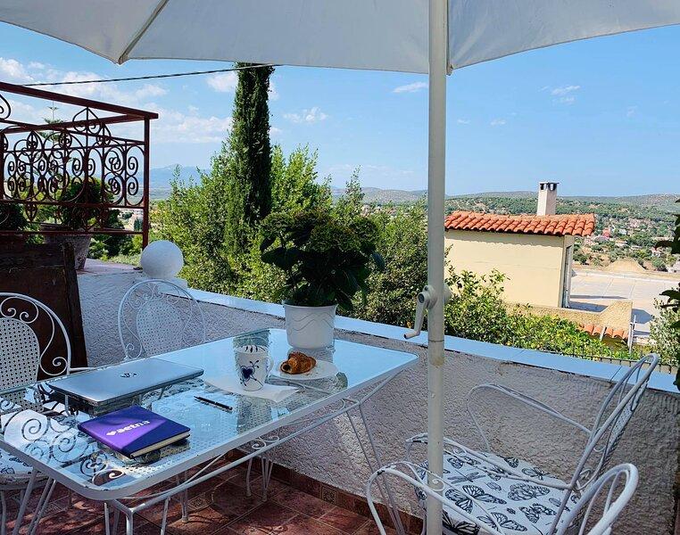 Charming 1-Bed Apartment in Porto Rafti – semesterbostad i Porto Rafti