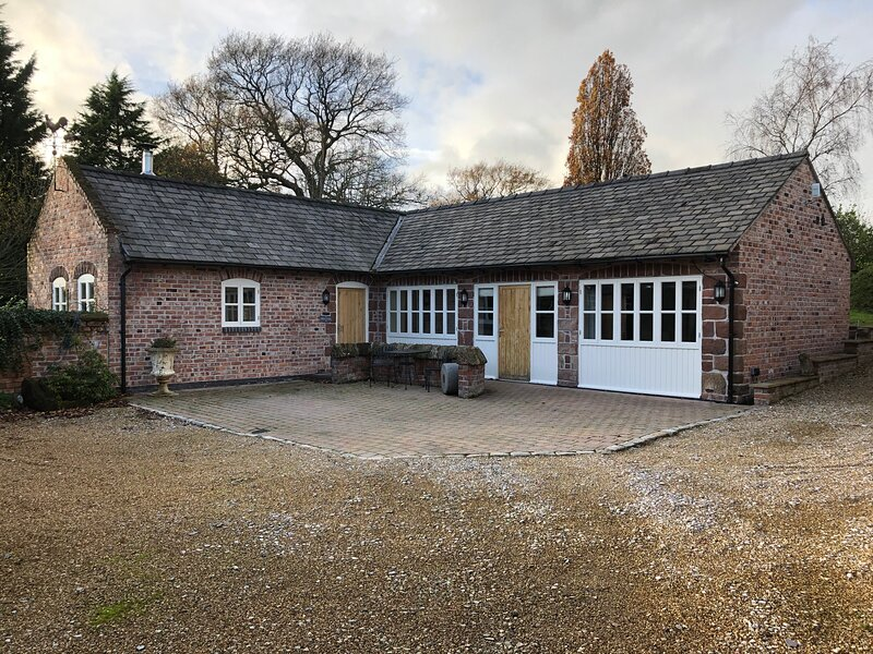 Countryside Cottage near Chester, vakantiewoning in Ledsham