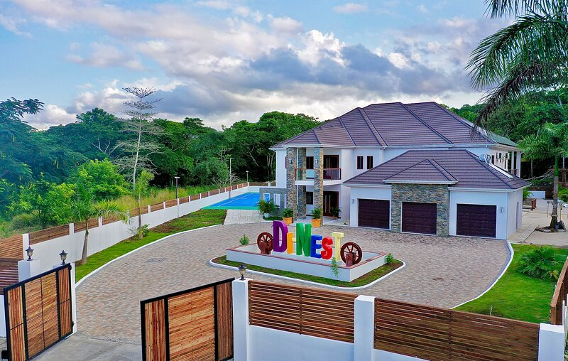 Di Nest, holiday rental in St. Ann's Bay