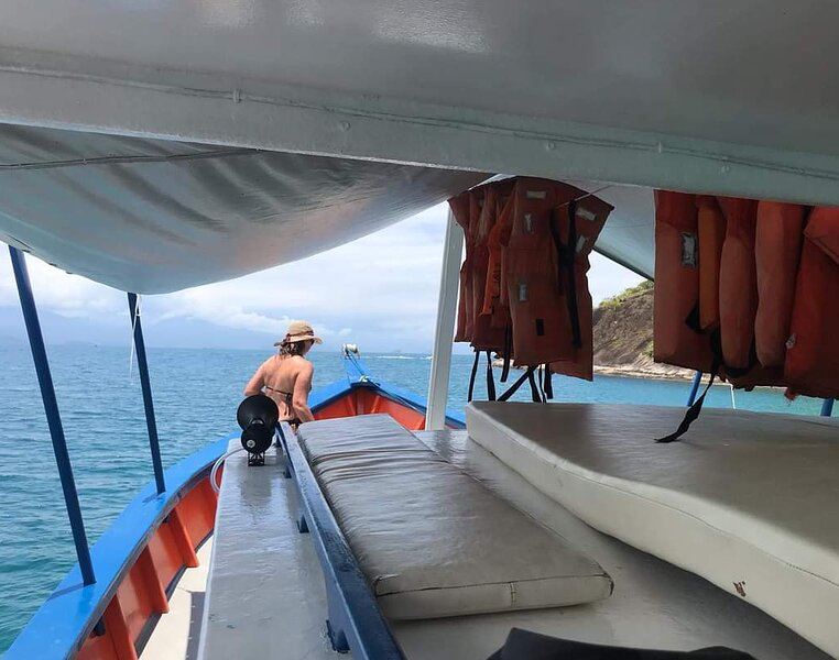 Passeio de Barco privativo em Paraty! Venha viver essa experiência conosco., location de vacances à Trindade