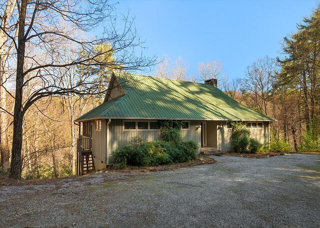 Romantic Cabin,Fireplace,Screened Porch,WiFi, vacation rental in Boomer