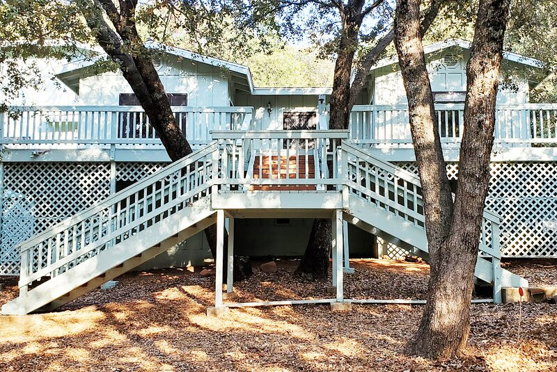 Julian Cabin 3 BR 3 Bath in Pine Hills See Deer, Turkey, Oaks and Pines Pets ok, casa vacanza a Julian