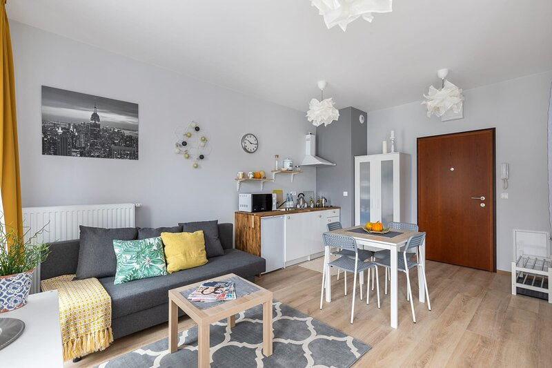 A/C - Bussines & leisure in one place, Ferienwohnung in Czosnow