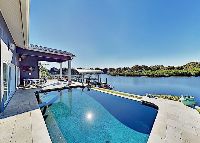 Waterfront Home | Pool, Hot Tub & Home Theater | Fishing Dock with Kayaks, vacation rental in Clearwater