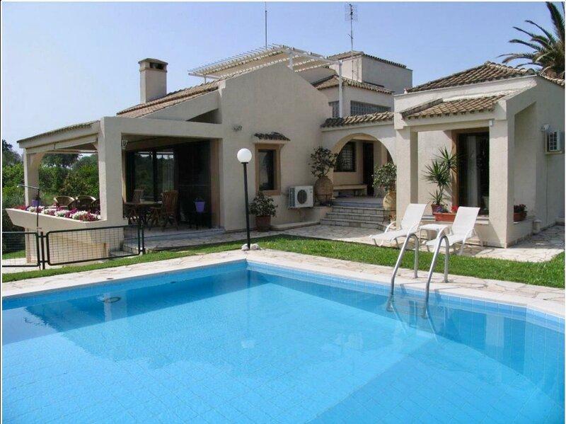 Meet Elvis, our retro design villa in beautiful Corfu, vacation rental in Gouvia
