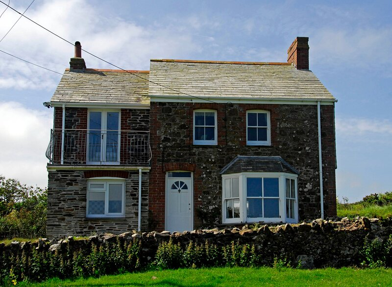 Beautiful four bedroom detached cottage, St Endellion, Port Isaac, coastal views, vacation rental in Port Gaverne