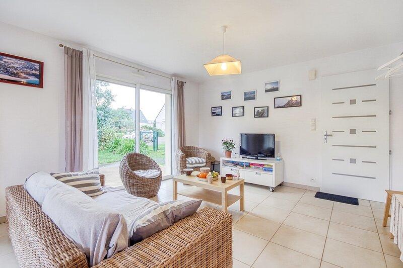 Iroise - jolie maison avec jardin proche plage, location de vacances à Morieux