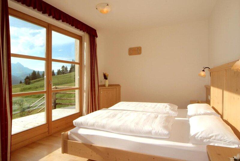 Apartment Contenteza for 6 people - San Cassiano, Ferienwohnung in Corvara (Kurfar)