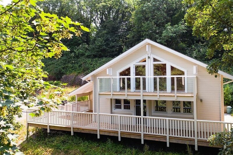 5 Star Lodge, Restaurant / Golf - 5 mins to Beach, Ferienwohnung in Tenby