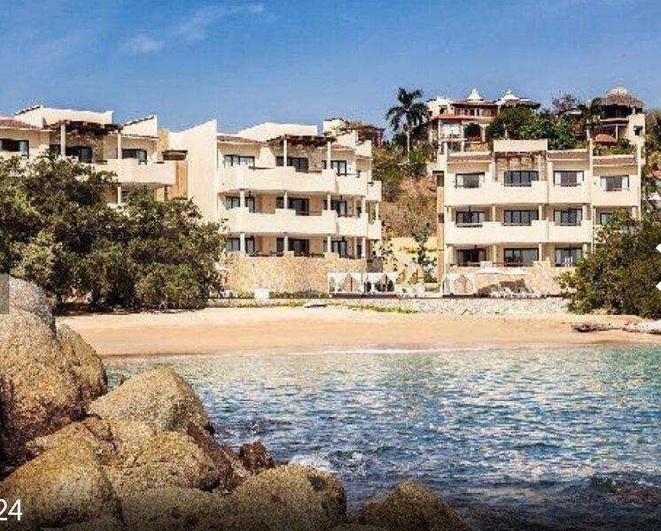Private Beach Ocean Front Celeste, holiday rental in Tangolunda