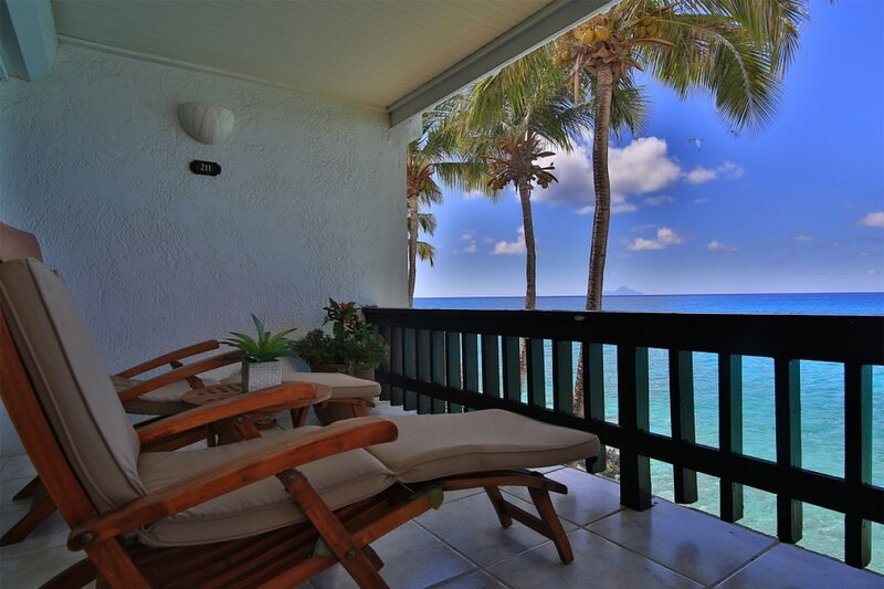 Condo Acadia | Ocean Front - Located in Stunning Porto Cupecoy with Private Po, alquiler de vacaciones en Mullet Bay