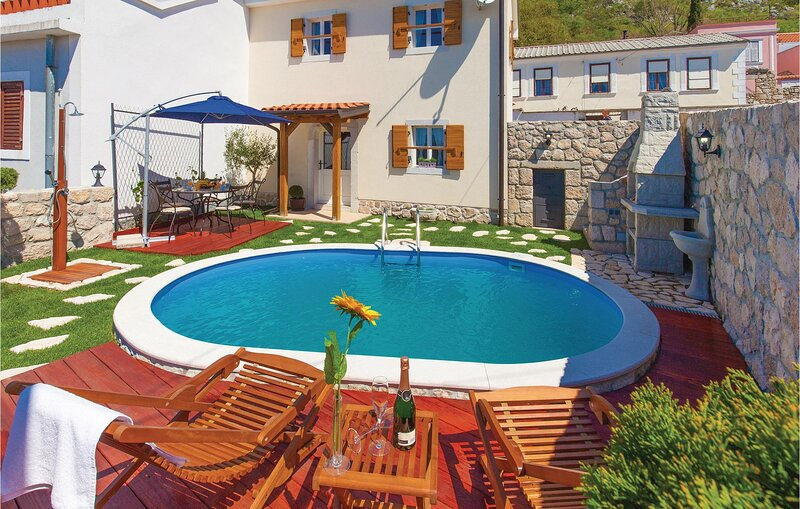 Beautiful home in Grizane with Outdoor swimming pool, WiFi and 2 Bedrooms (CKC72, vakantiewoning in Lic