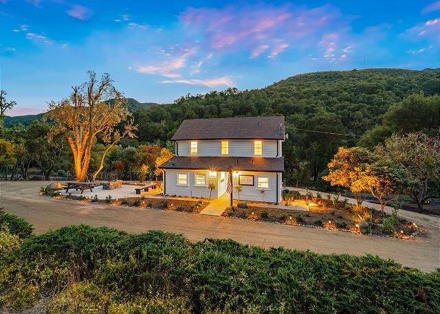 "Historical Ranch Home- ""The 8 MILE HOUSE"", location de vacances à Santa Margarita"