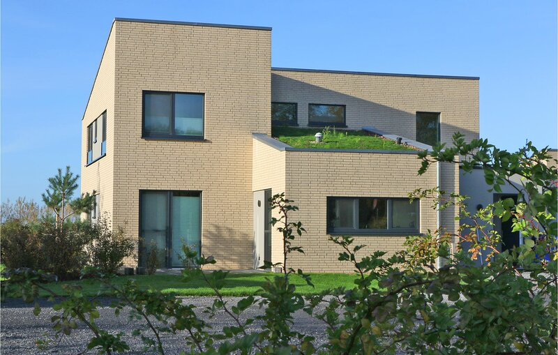 Beautiful home in Lembruch/Dümmer See with Indoor swimming pool, Sauna and 5 Be, holiday rental in Goldenstedt