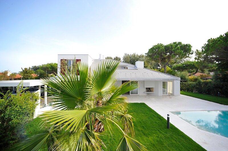 Villa with Private Pool - Luxury Holidays Isola Albarella, aluguéis de temporada em Province of Rovigo