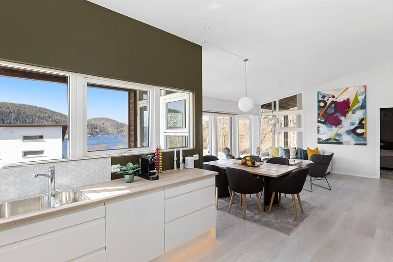New Cottage for 12, panorama view over Oslo fjord, holiday rental in Eastern Norway
