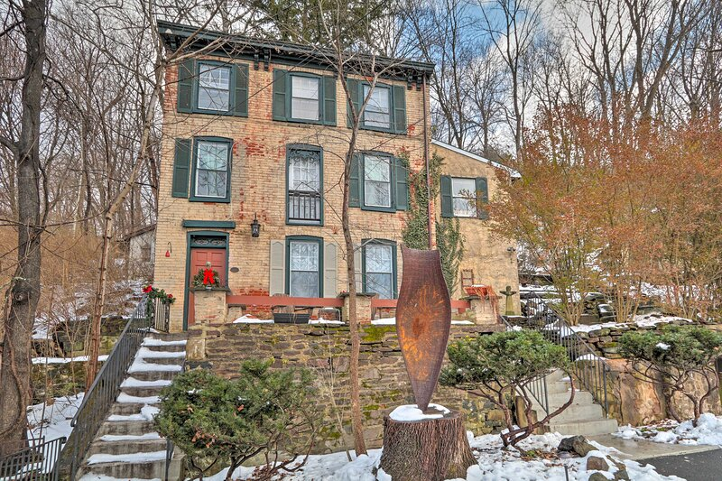 NEW! Charming Getaway < 1 Mi to Dtwn Lambertville!, holiday rental in Ottsville