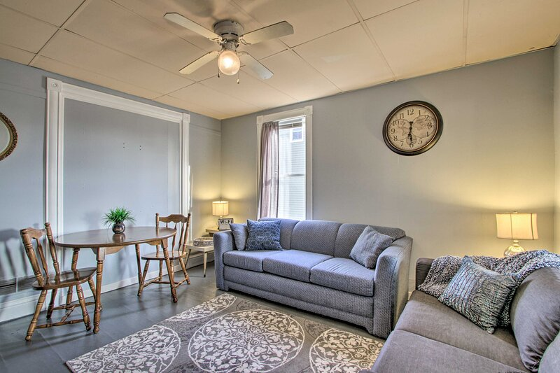 Rochester Vacation Rental   2BR   2BA   800 Sq Ft   Ground Floor