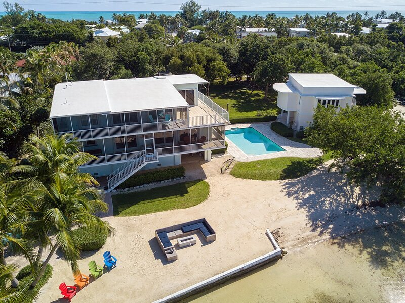 The 'Designated Paradise' - let this Bayside Estate take your breath away, location de vacances à Long Key