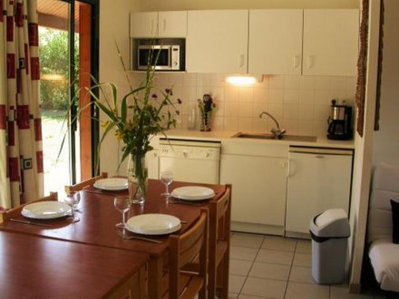 Chalet le Verger, holiday rental in Souvigne-sur-Sarthe