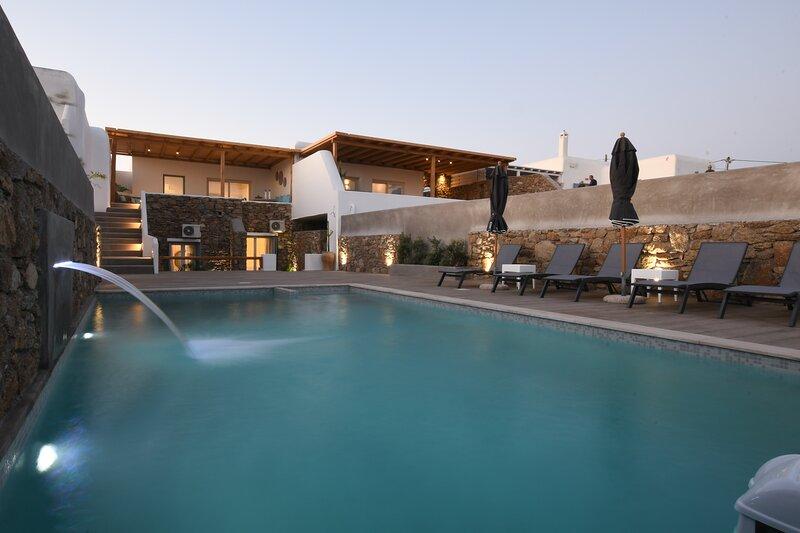 Super Paradise Luxury Villa, Private Pool, Free wi-fi, Maid Service, casa vacanza a Plintri
