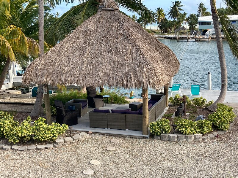 ISLAMORADA WATERFRONT PARADISE with FREE DOCKAGE, holiday rental in Matecumbe Key