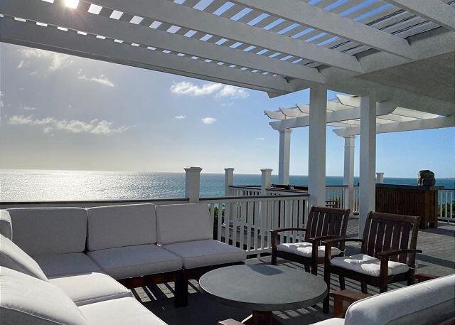 Brand New Beach House w/ Pool Access, Golf Cart, Sunset Ocean View, location de vacances à Rainbow Bay