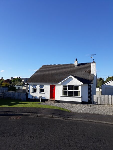 Castleshaw Holiday Home, vacation rental in County Londonderry