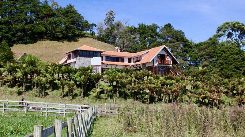 Chácara com churrasqueira e wifi em Cunha, location de vacances à Cunha