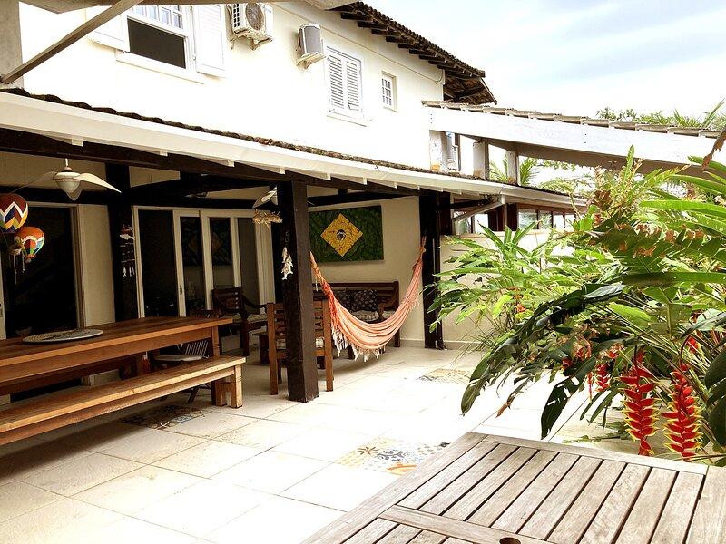 Casa c lazer e wifi em frente à praia de Maresias, aluguéis de temporada em São Sebastião