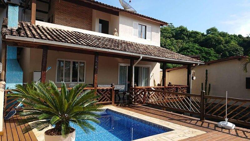 Bela Casa bem localizada com Lazer Completo e Wifi, casa vacanza a Ilhabela