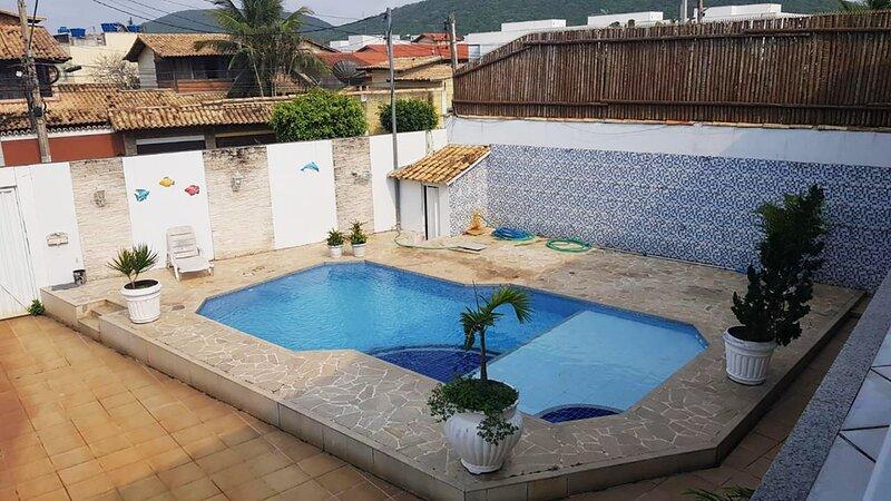 Casa Ampla com Piscina, Salão de Jogos e Wi-fi, Ferienwohnung in Cabo Frio