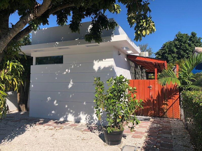 Miami Studio 2 Europeam Style, aluguéis de temporada em Miami Springs