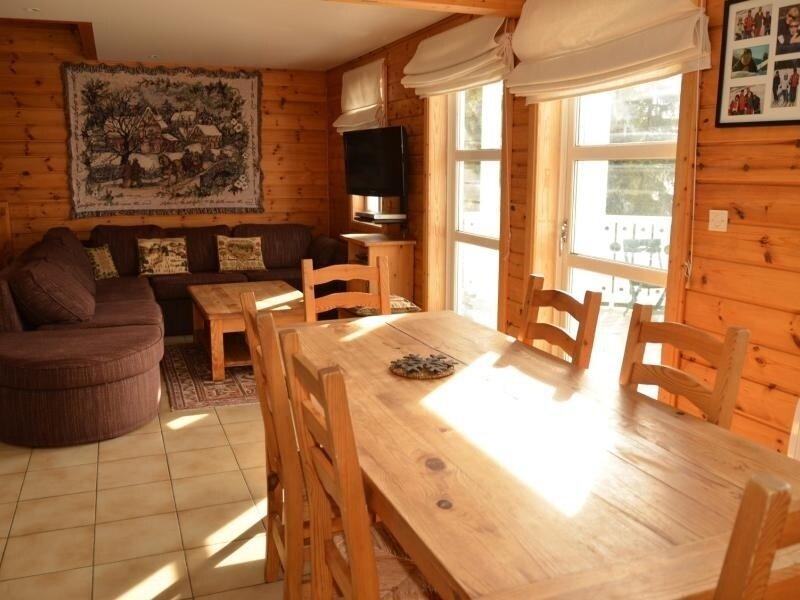 très beau chalet avec grande terrasse et vue magnifique, vacation rental in Flaine