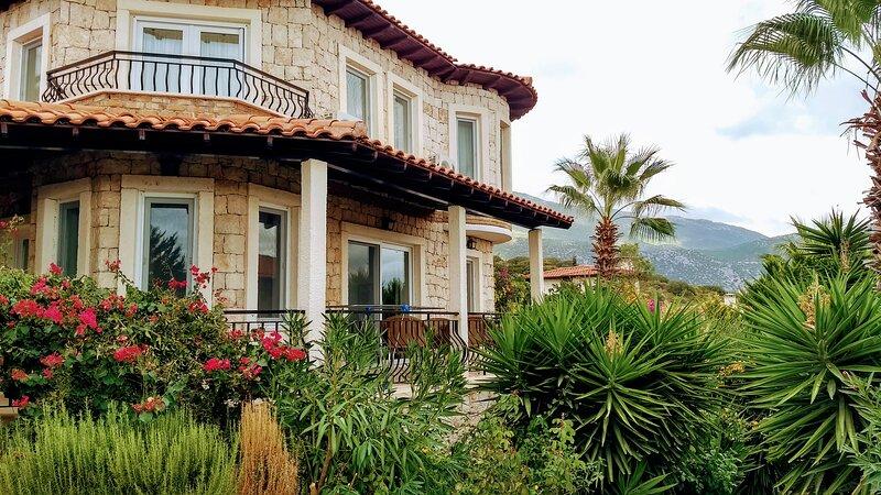 Villa Wilmot- Stone Clad Cozy Villa, holiday rental in Kastellorizo
