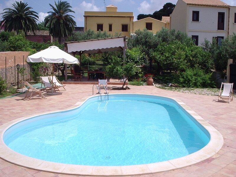 Baglio costa di mandorla -appartamento 70 mq., holiday rental in Nubia