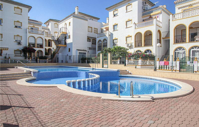 Nice apartment in Torrevieja with Outdoor swimming pool and 3 Bedrooms (EBI339), holiday rental in La Mata