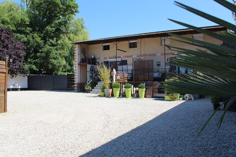 L'escapade Violainoise, holiday rental in Courrieres