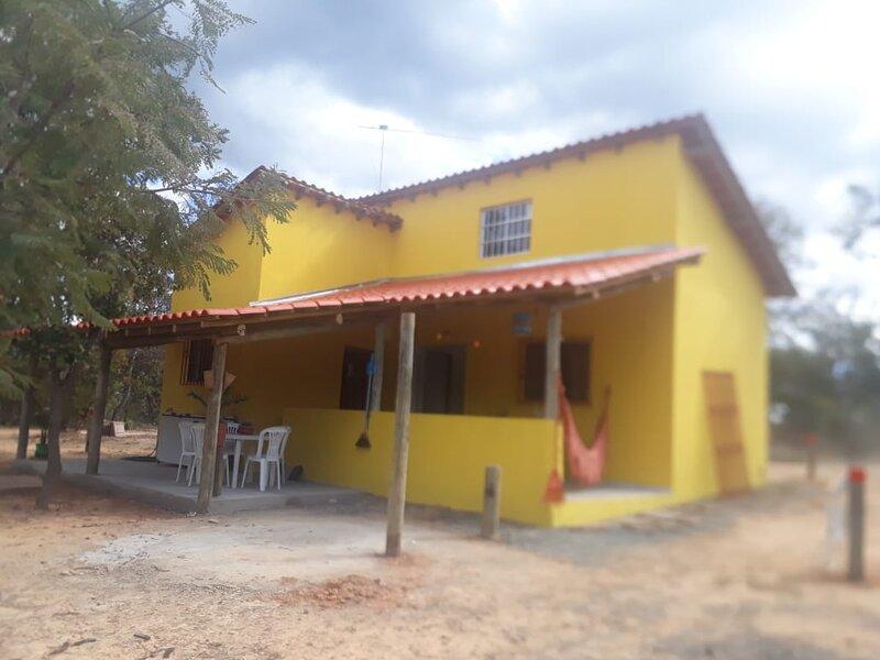 Casa Aluguel de Temporada 02 Quartos Na Beira da Represa de Três Marias, casa vacanza a Stato del Minas Gerais