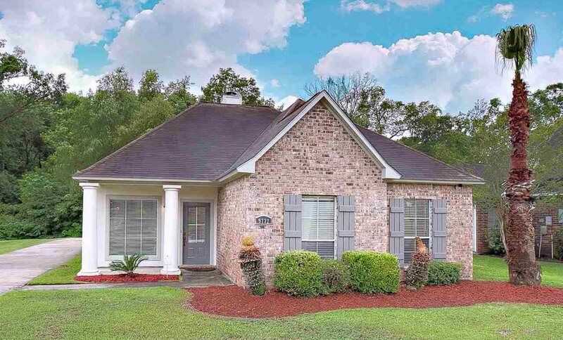 Beautiful Home, Quiet Neighborhood, Convenient to Everything, holiday rental in Baton Rouge