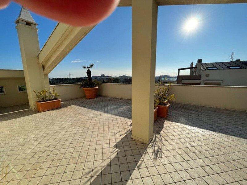 Appartamenti Solemare Suite Blu Moon, holiday rental in Stella di Monsampolo