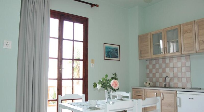 Alexandra Apartments 'By Checkin', holiday rental in Stalis